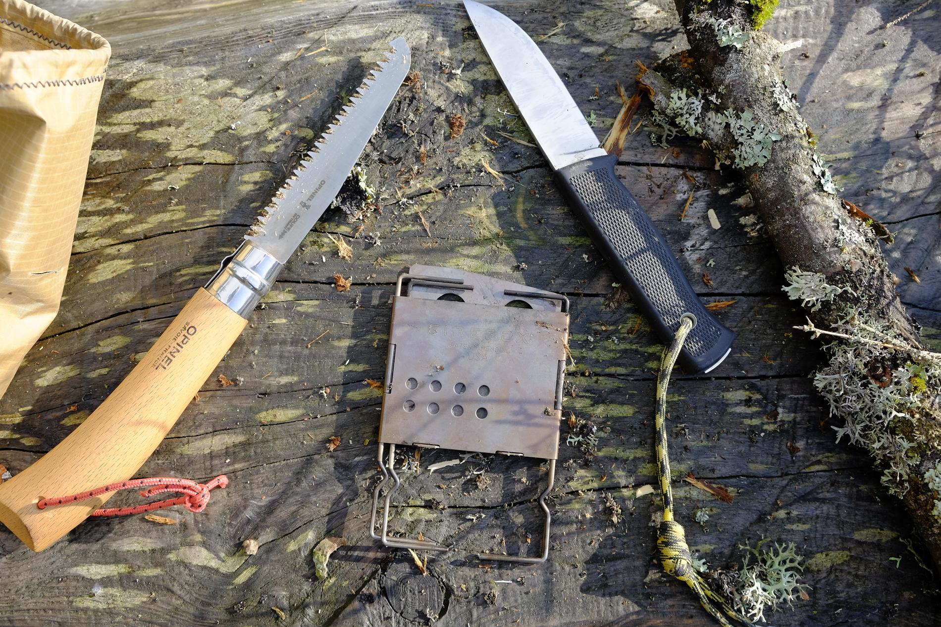 Outdoormesser Fällkniven F1 mit Opinel Baumsäge und Firebox Nano