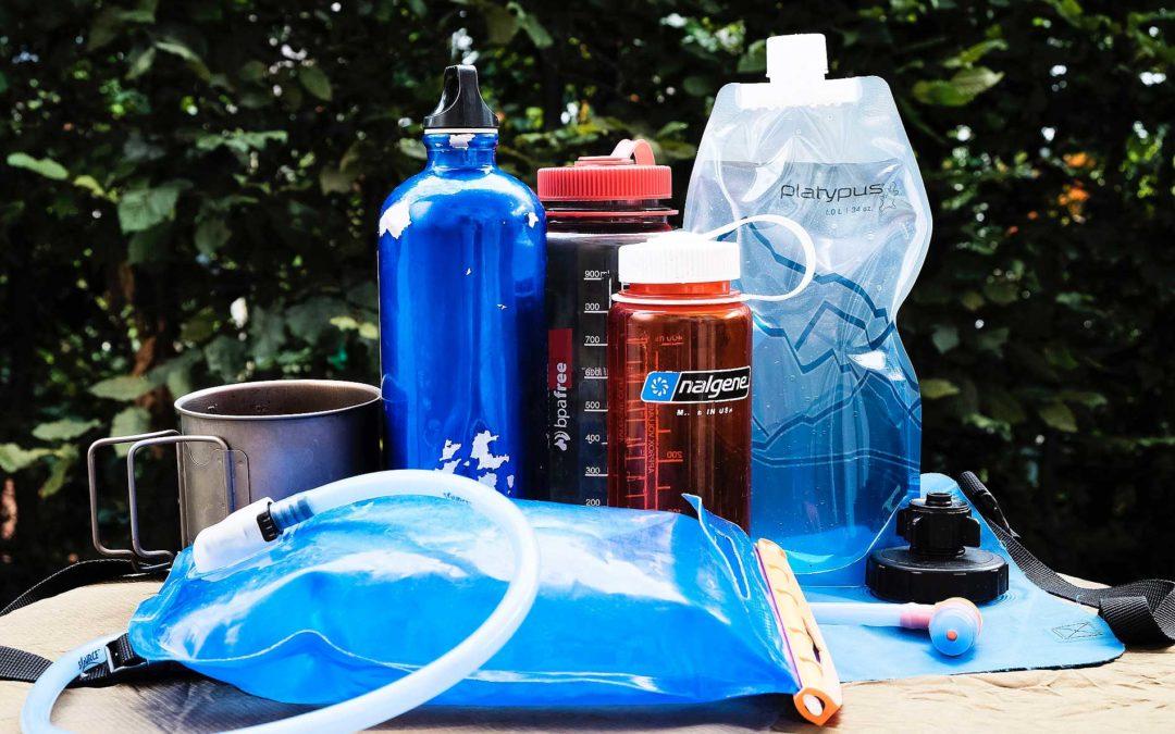 Wasserflaschen, Trinksysteme & Co: wie es beim Wandern mit dem Trinken klappt